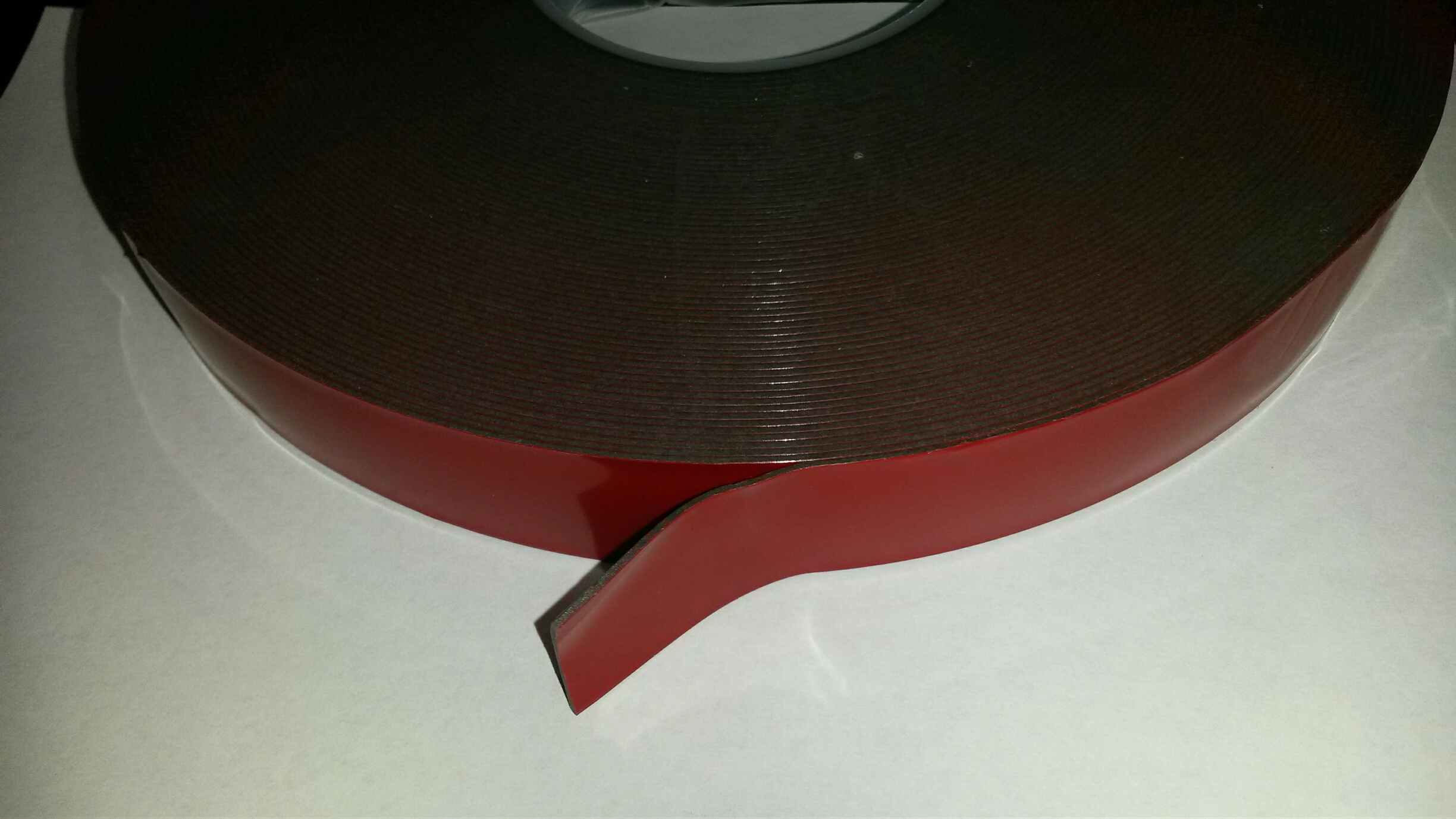 """DCDST133M * DIRECTCONNECT DOUBLE SIDED BLACK FOAM TAPE WITH RED LINER 1"""" WIDE 33M LENGTH"""