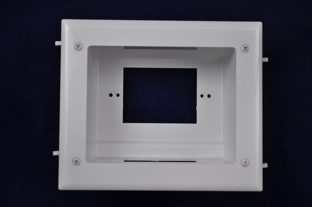 """DCTVMRBB * WHITE DIRECTCONNECT FLAT PANEL MULTI FUNCTION RECESSED BACK BOX WALL PLATE MOUNTING BOX FOR TV ACCESSORIES EXISTING CONSTRUCTION 7"""" x 6"""" EXTERIOR 5"""" X 4"""" INTERIOR"""